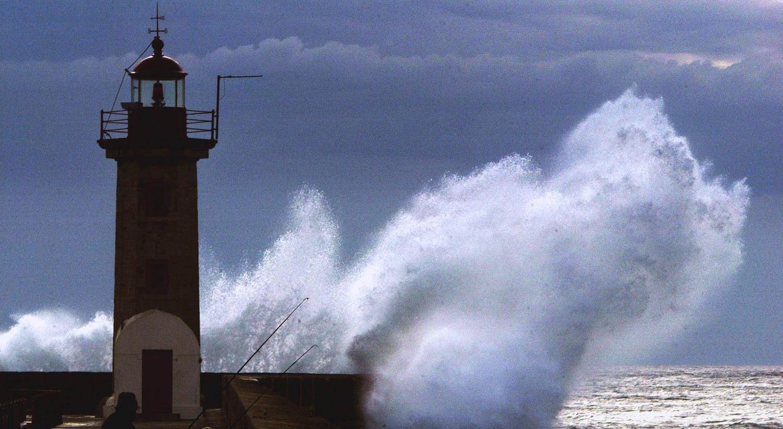 Efeitos da tempestade `Bruno` trazem muita chuva vento e ondas