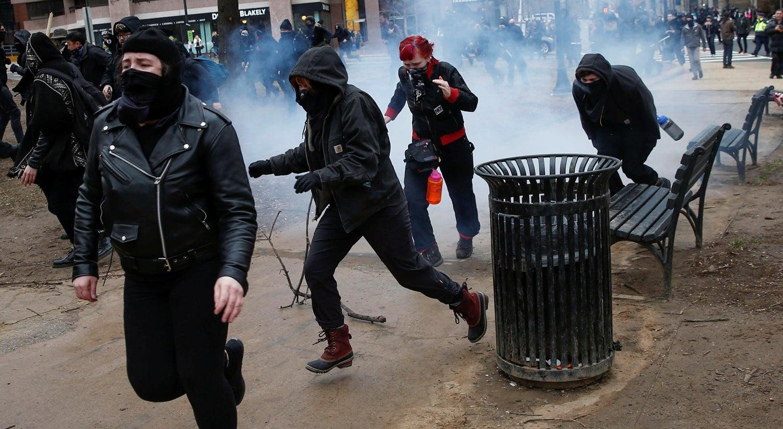 Mundo - Tomada de posse de Trump marcada por confrontos violentos