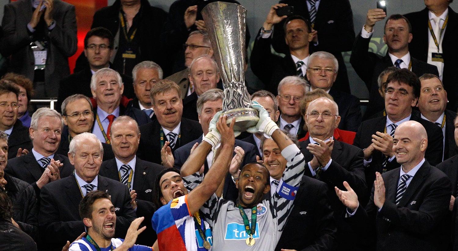 Helton soube de rescis�o com FC Porto pelos jornais