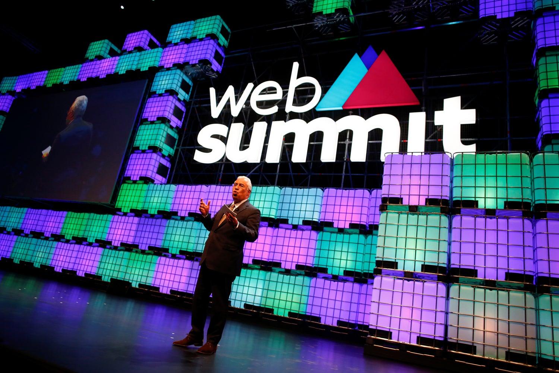 Web Summit pede