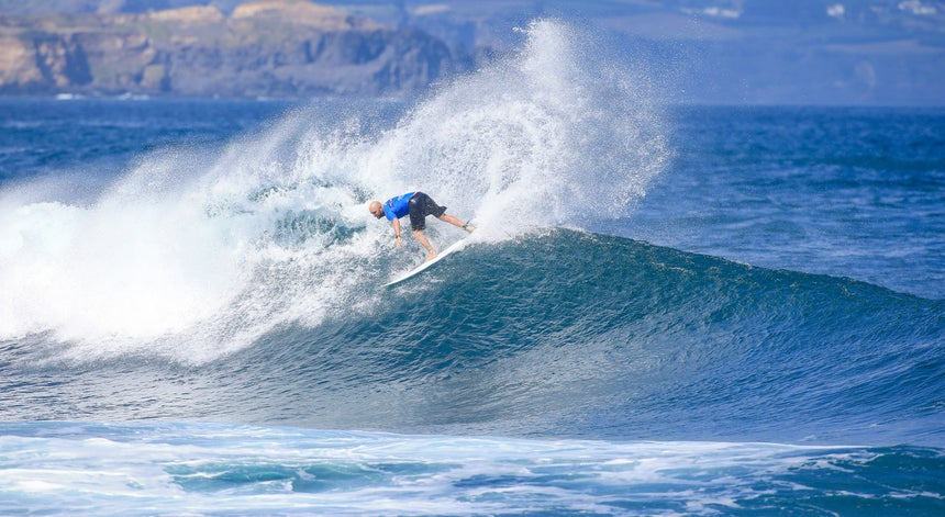 Jake Paterson dá `show` no Azores Surf World Masters
