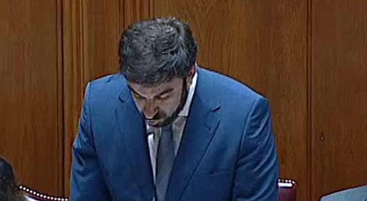 Ministro desmente conhecimento de falsa declara��o de habilita��es