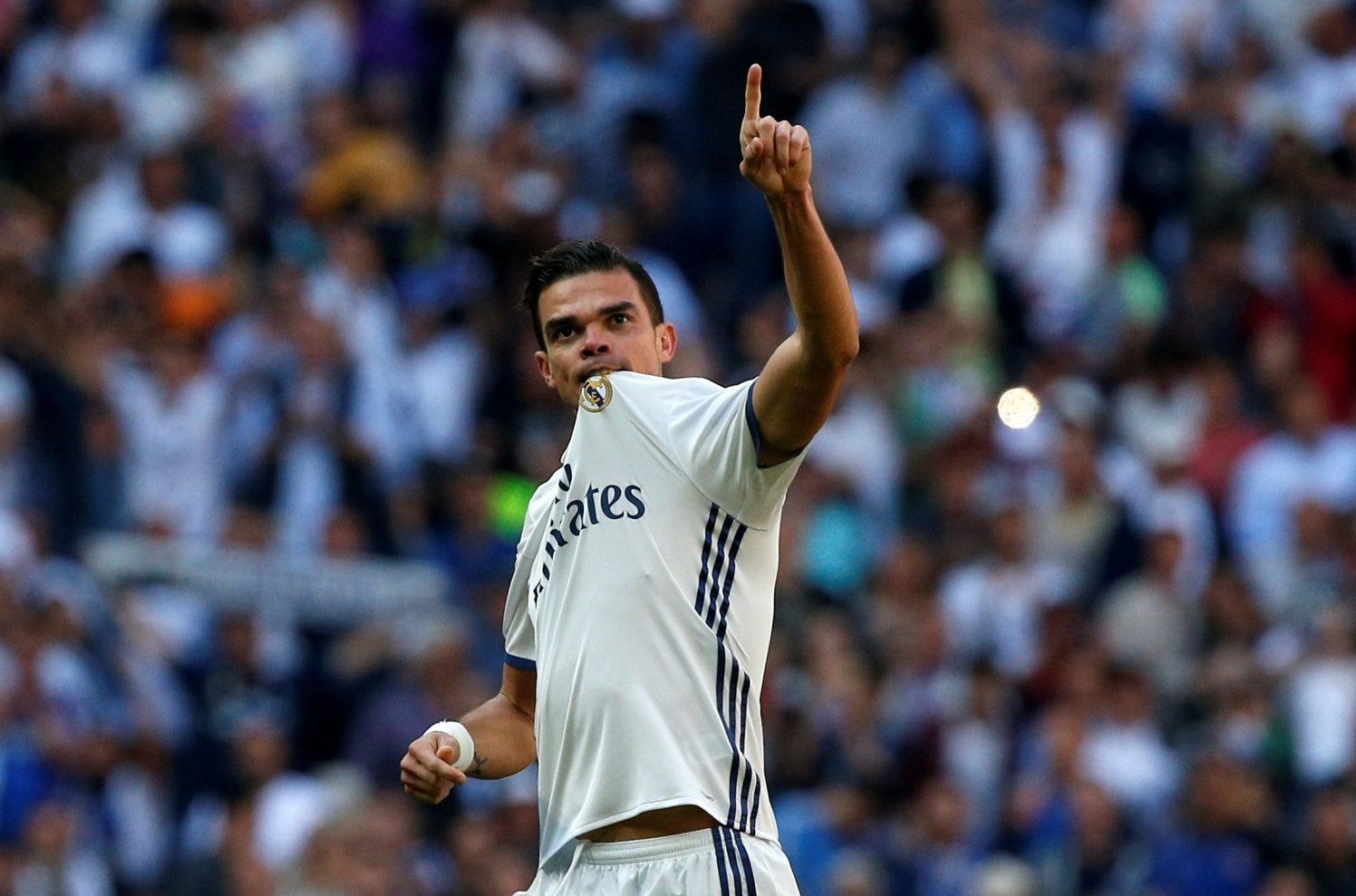 Zagueiro Pepe anuncia que irá deixar Real Madrid