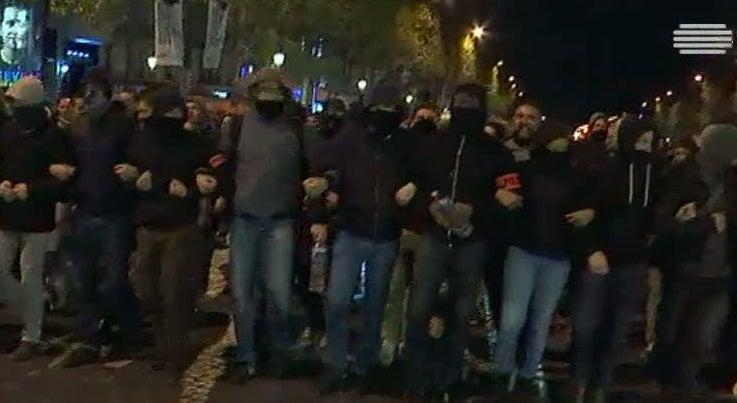 Mundo - Centenas de pol�cias manifestaram-se em Fran�a