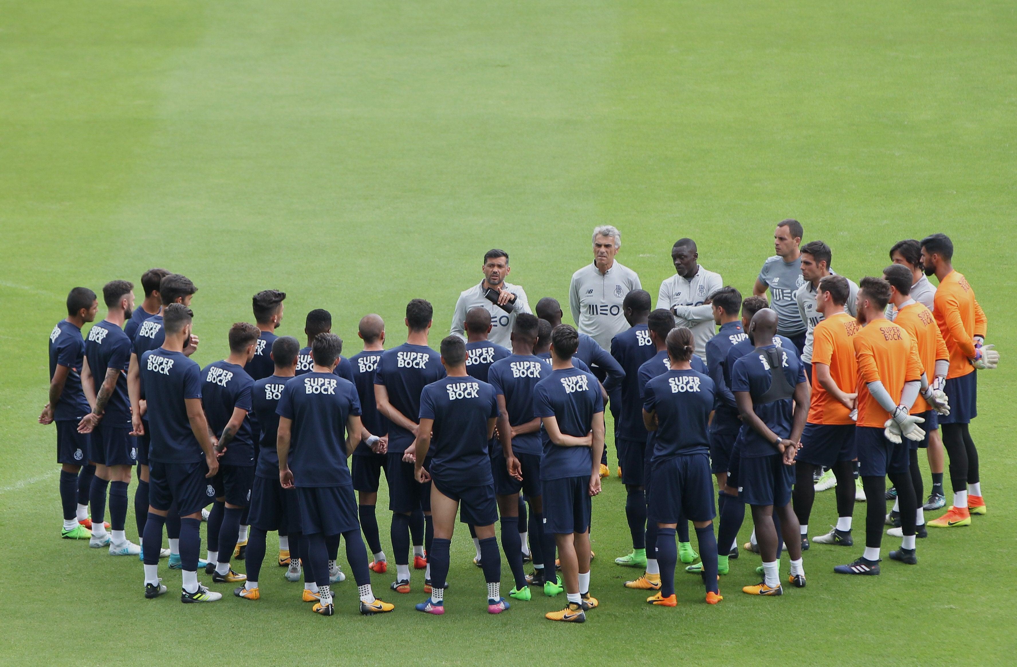 FC Porto: Otávio mais perto da recuperação