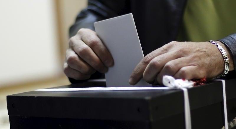 S� 20 por cento dos eleitores tinha votado at� ao meio-dia - siga em direto o dia eleitoral