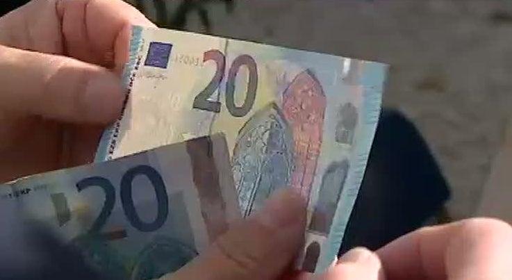 Economia - Nova nota de 20 euros � mais segura que as duas anteriores