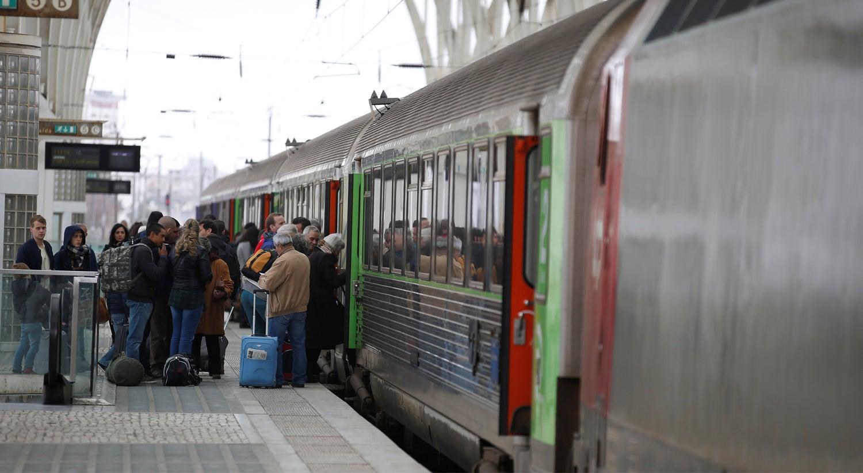 Fertagus garante serviços mínimos de comboios na Ponte 25 de Abril