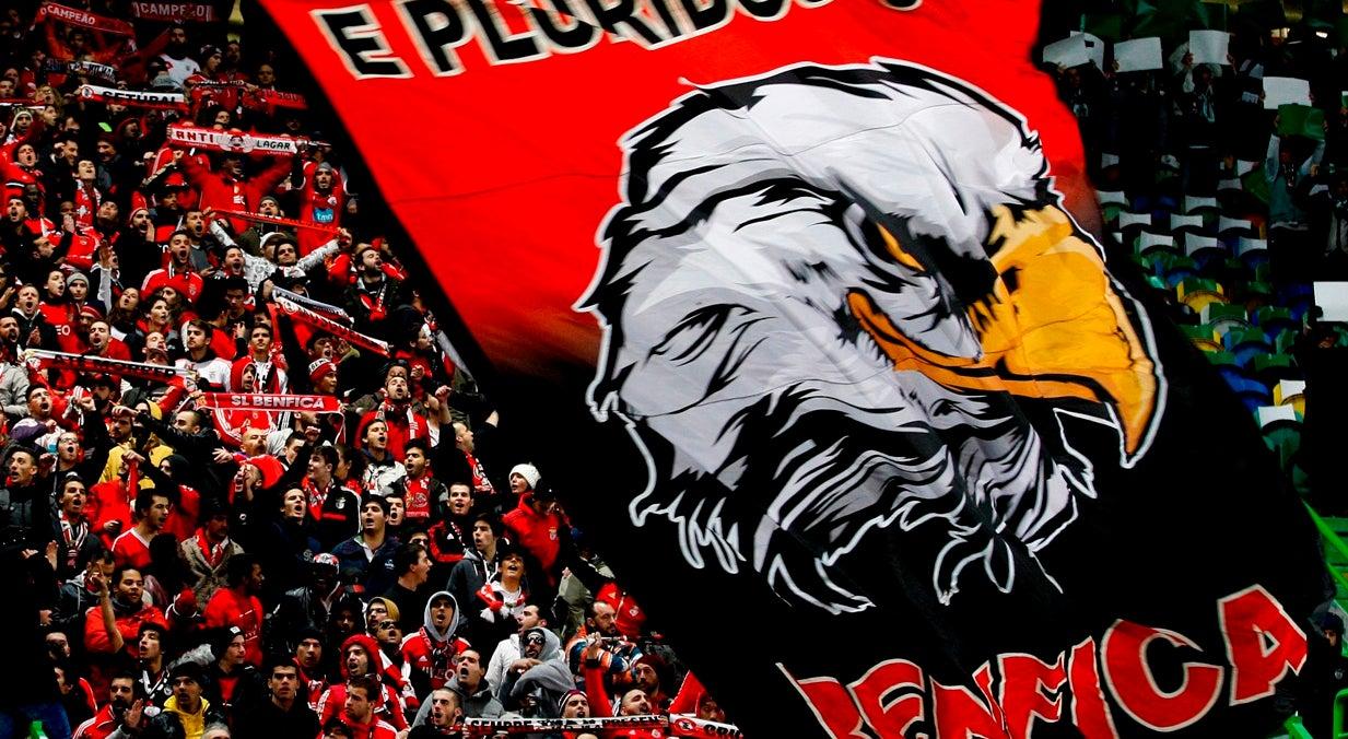 Benfica - Nápoles tem bilhetes temporariamente esgotados