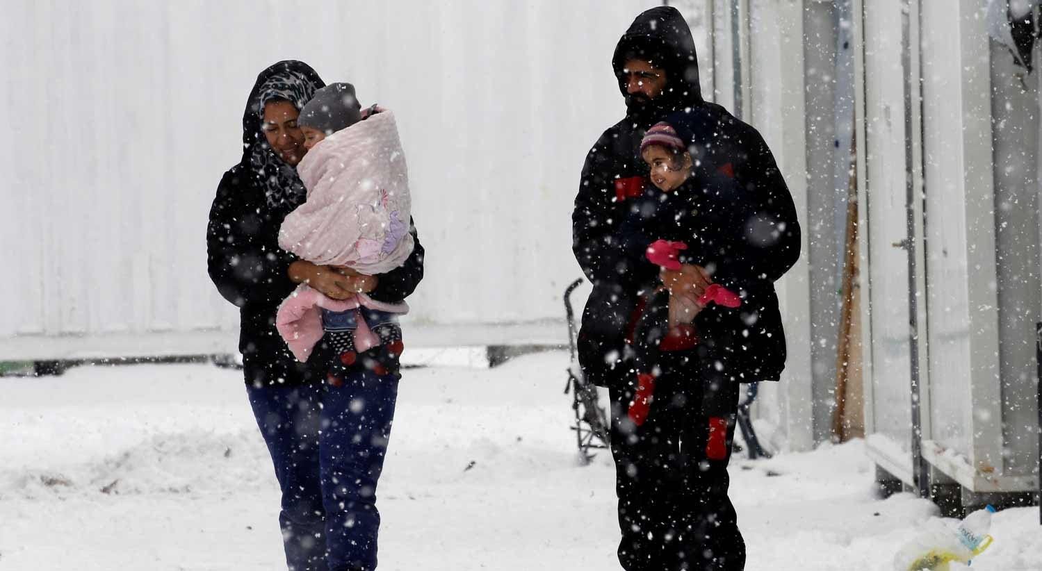 Amnistia Internacional alerta para refugiados a morrer de frio na Grécia