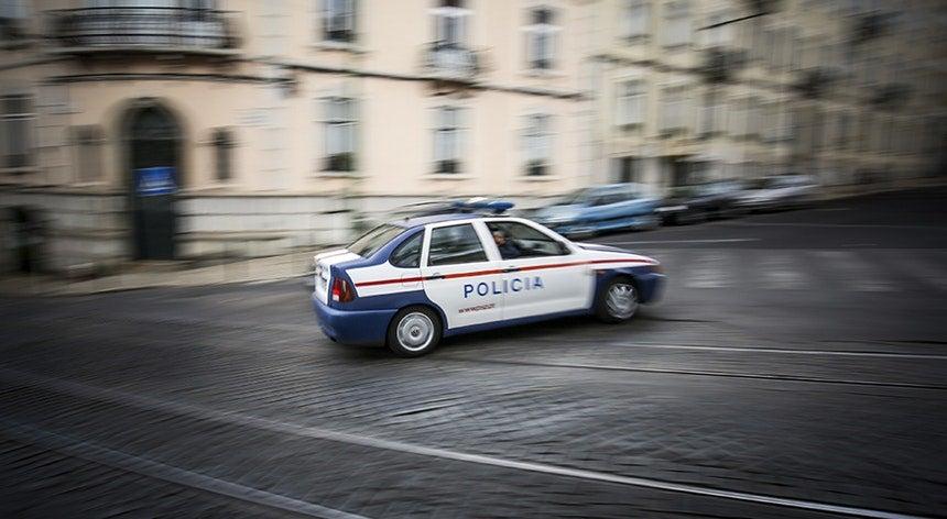 Assalto a carrinha de valores em Queluz de Baixo. Dois homens baleados