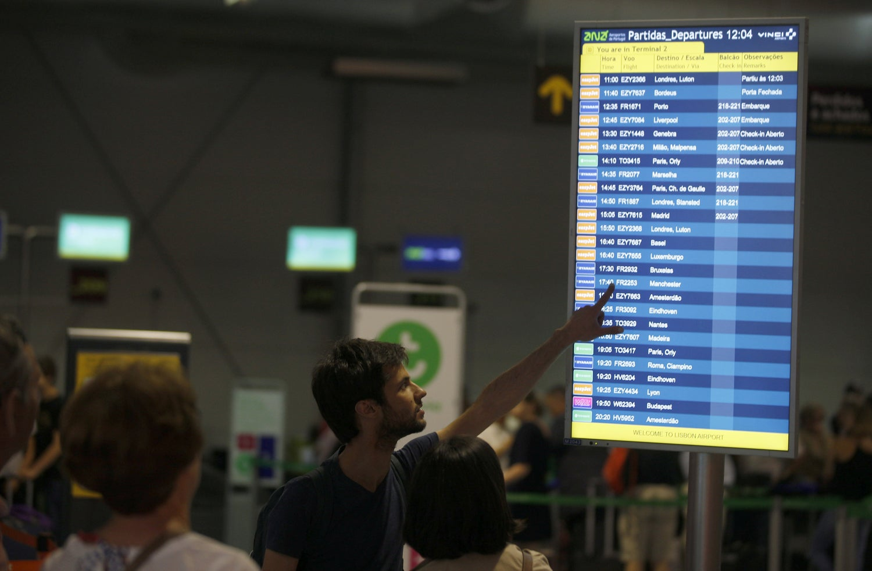 Aeroporto de Lisboa parado por falha no sistema de abastecimento de combustível