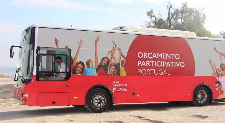 Governo coloca autocarro a recolher propostas para Or�amento Participativo