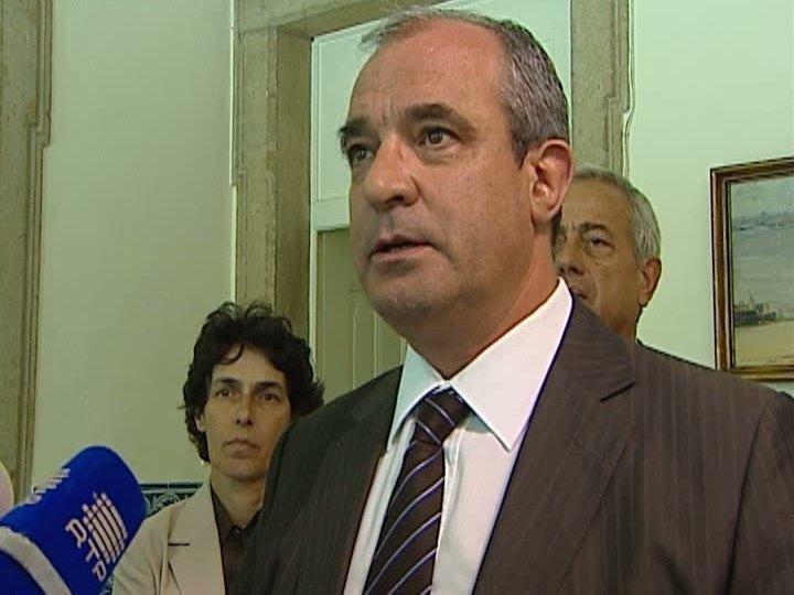 Governo marca reunião de última hora com Fenprof em véspera de greve