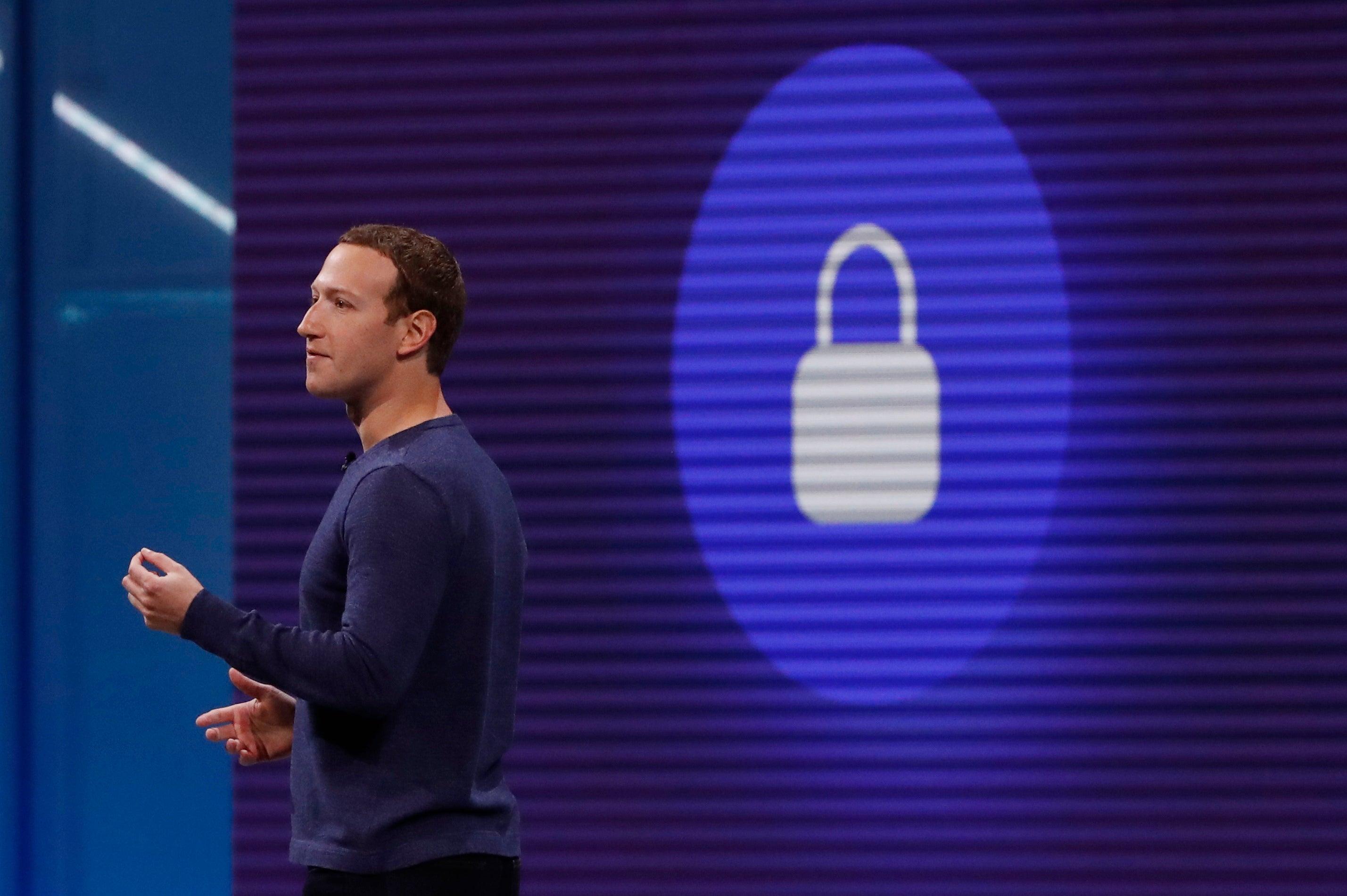 Em atualização Facebook. Mark Zuckerberg vai testemunhar no Parlamento Europeu