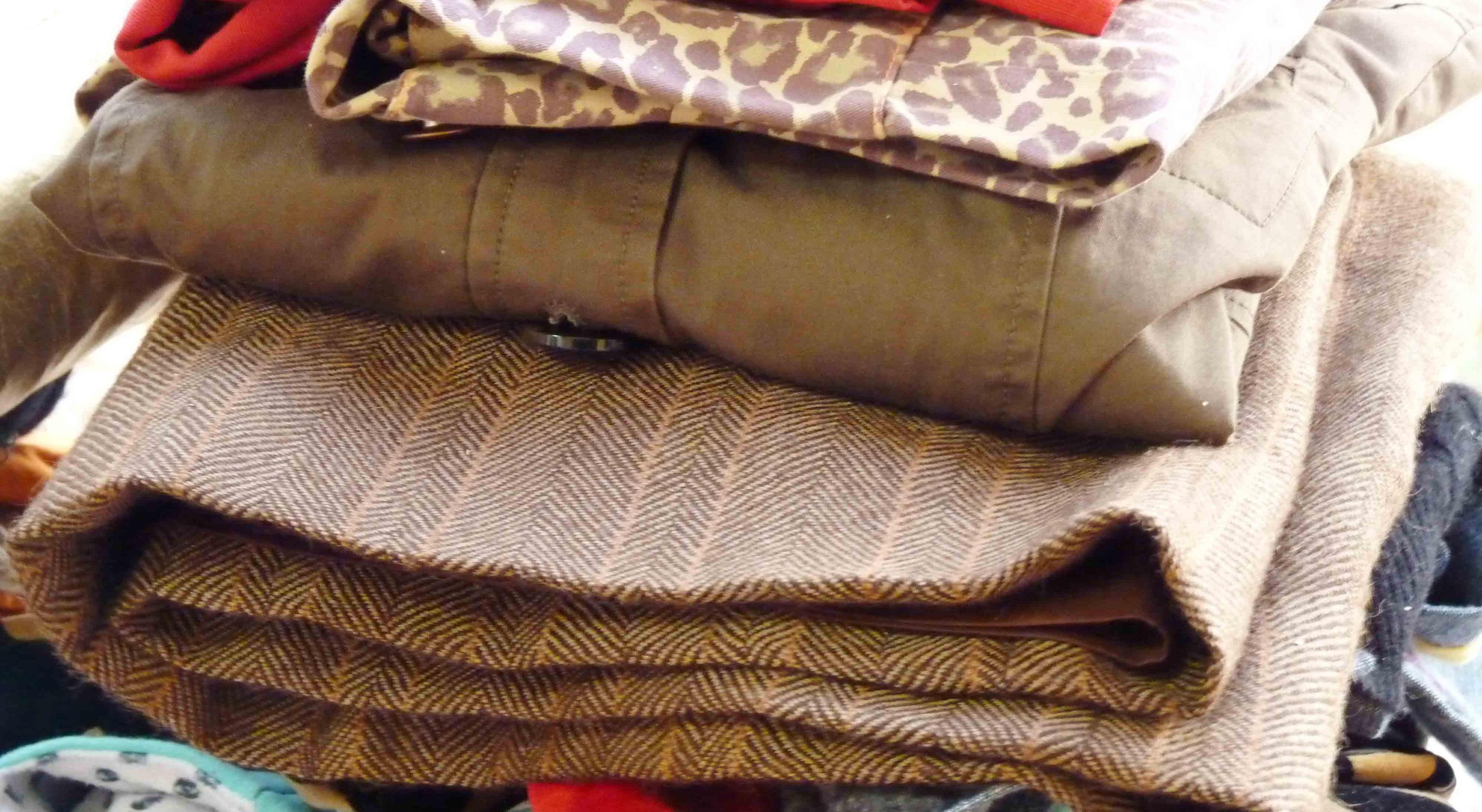 Projeto da Cáritas visa recolha e entrega de roupa e até pode criar empregos