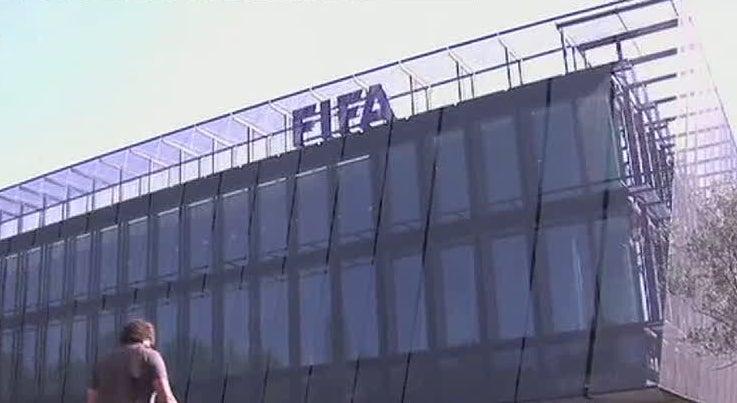 Joseph Blatter e Michel Platini foram suspensos por 90 dias