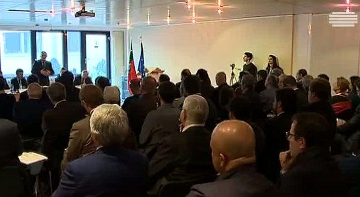 Mundo - Governo arranca com encontros com comunidades portuguesas