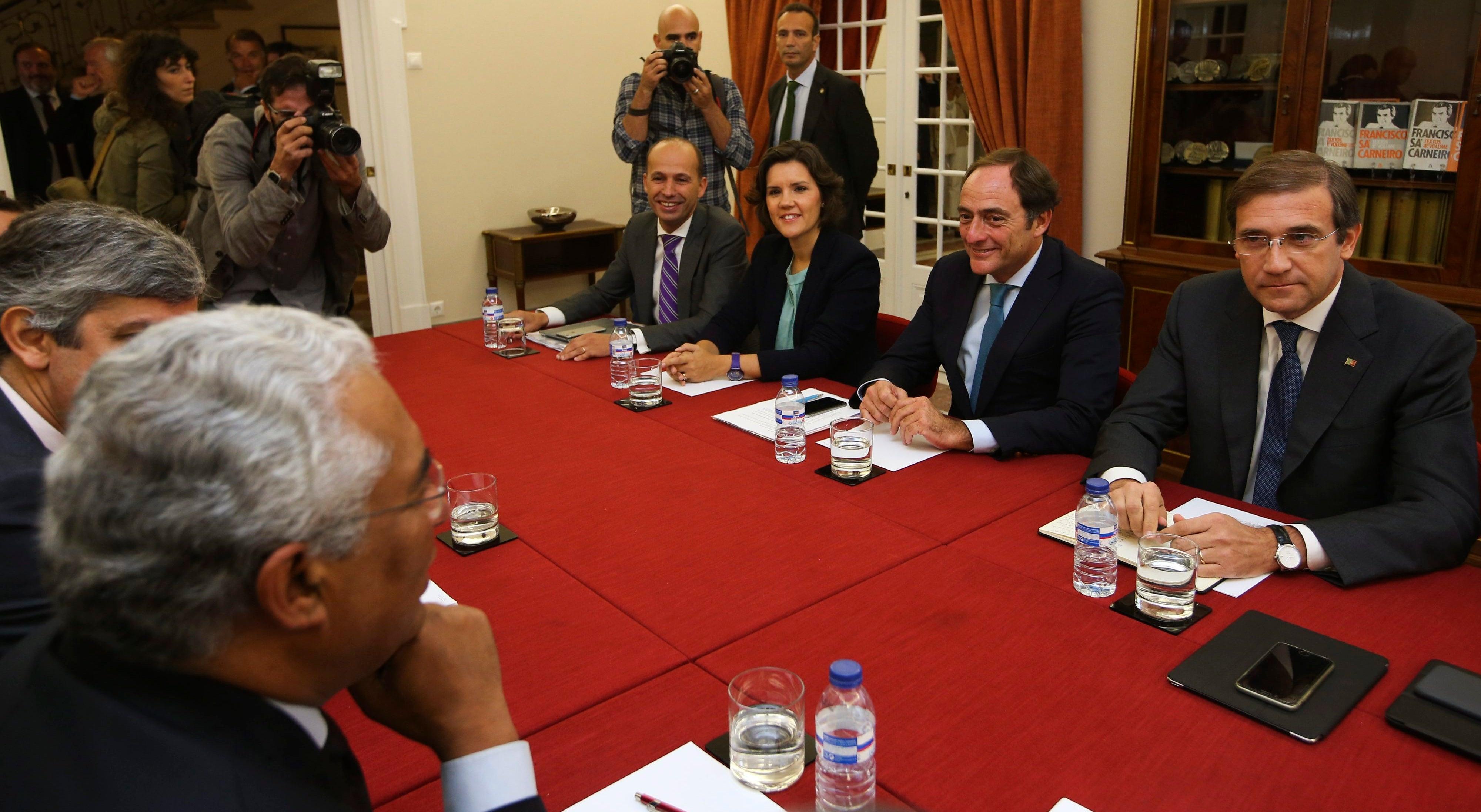 Contactos � esquerda levam S�rgio Sousa Pinto a deixar secretariado nacional do PS
