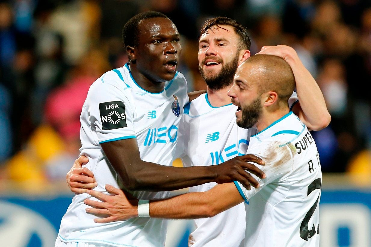 FC Porto: treino com nove bês e só André André condicionado