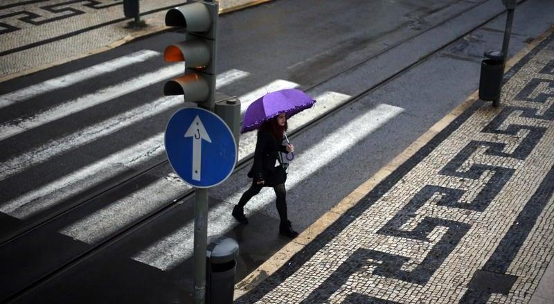 Chuva intensa e persistente e vento forte no fim de semana
