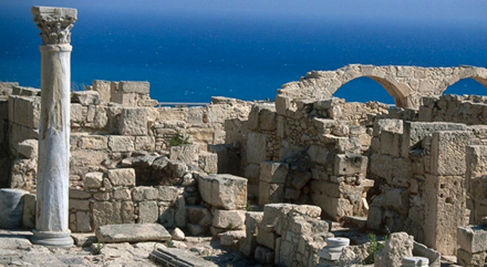 Chipre recusa condi��es de resgate da troika