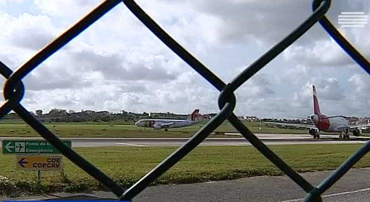 Pa�s - Seis argelinos detidos no aeroporto de Lisboa