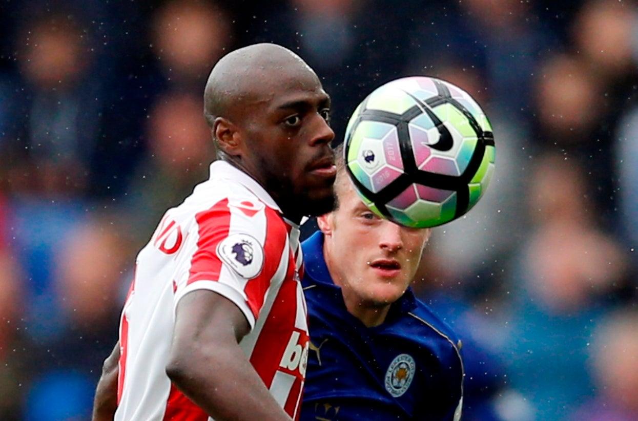 Stoke City anuncia contratação de Martins Indi — Oficial