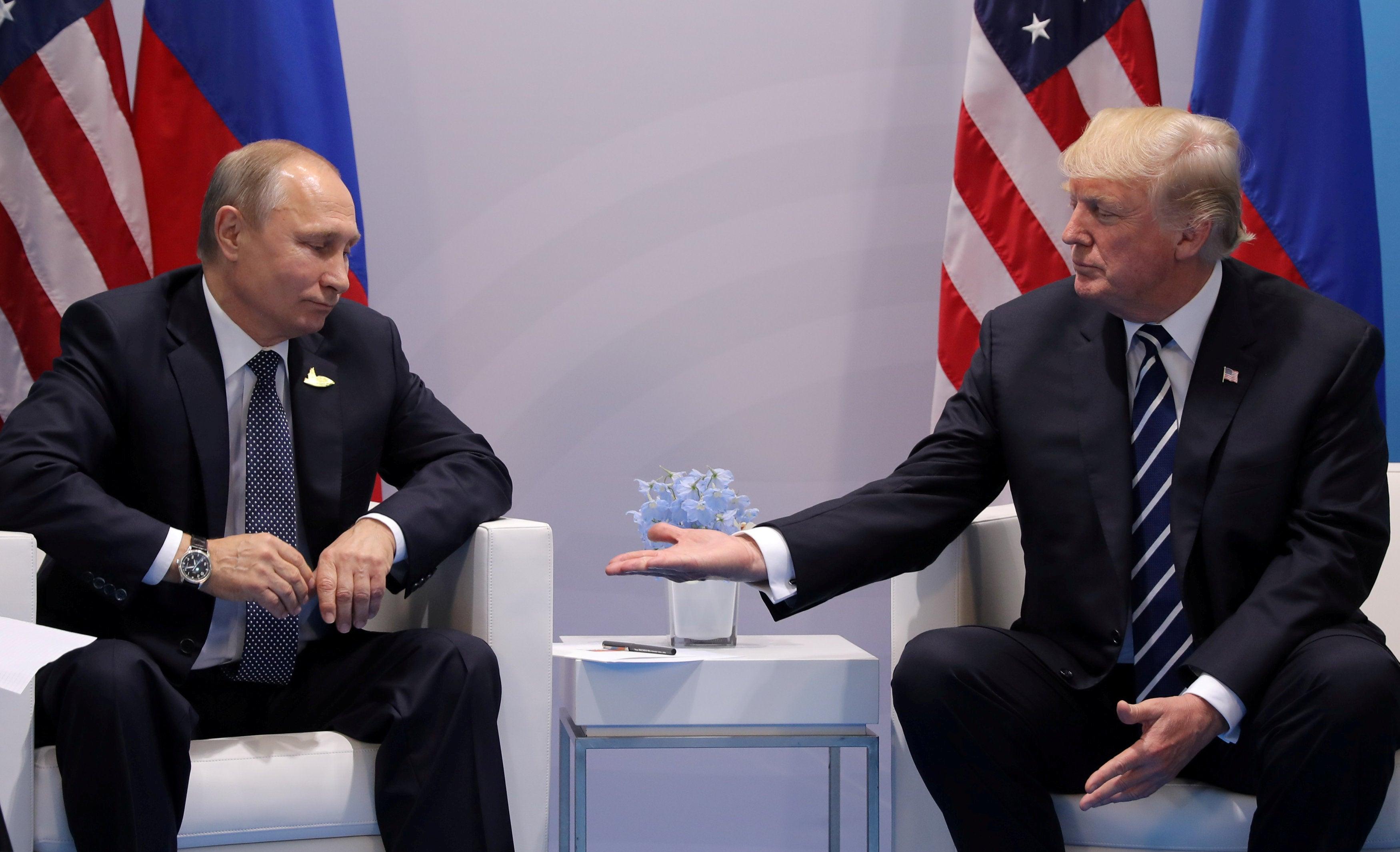 CIA ajuda Rússia a prevenir atentado e Putin agradece Trump