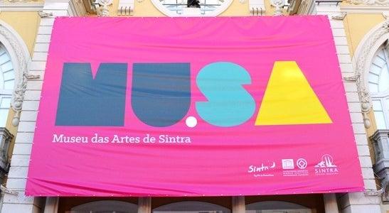 Cultura - Sintra Press Photo mostra imagens sobre Flagelo Humano