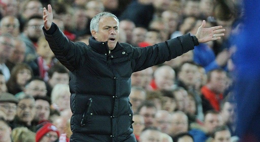 Mourinho avisa que nenhum jogador do Manchester United � intoc�vel