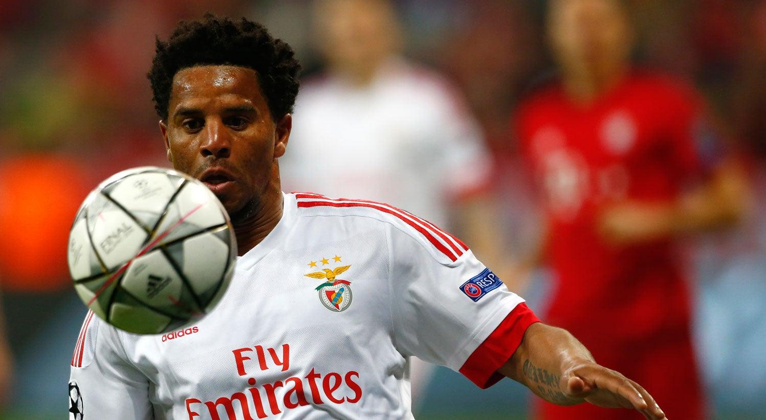 Eliseu regressa aos convocados do Benfica