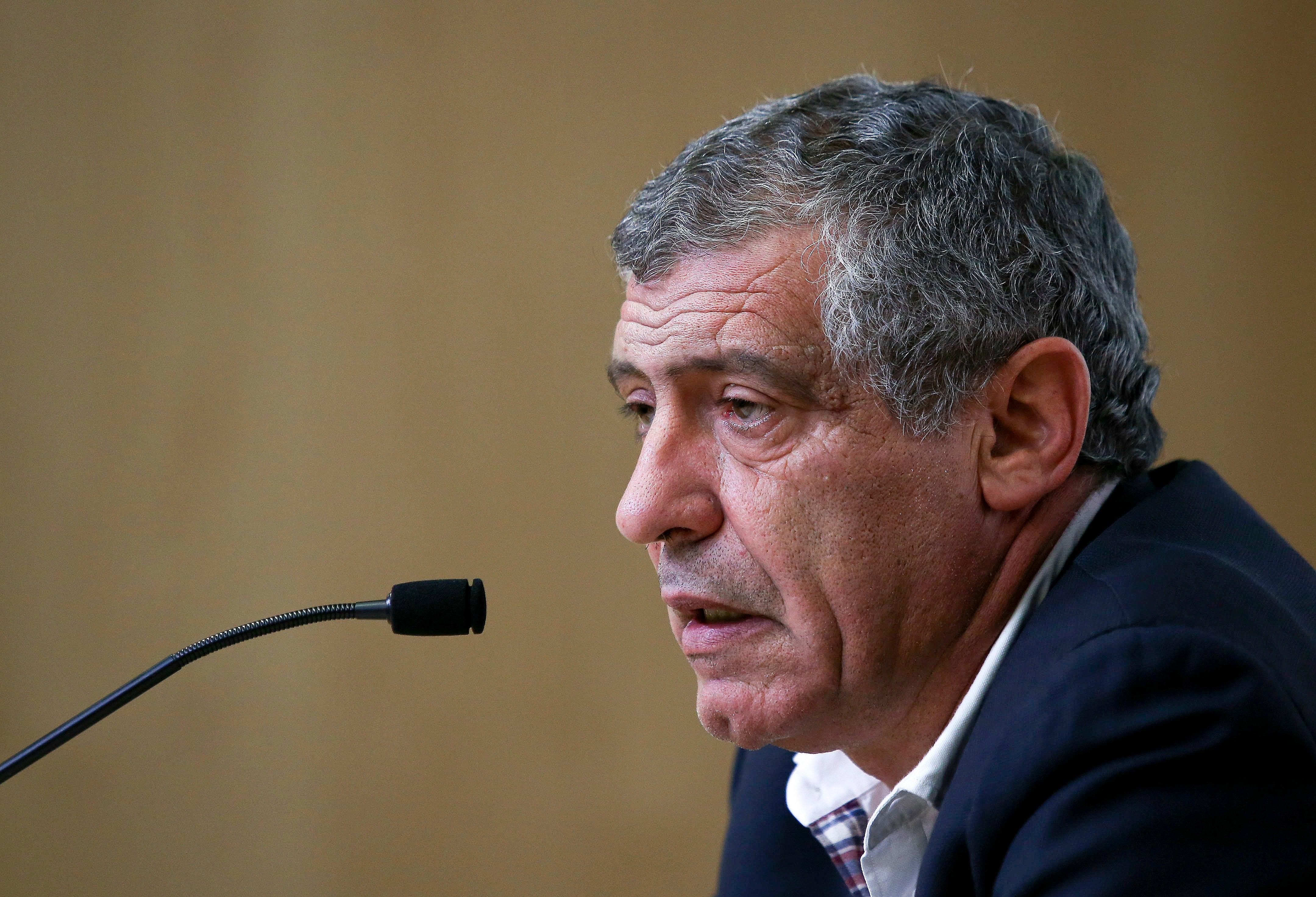 Fernando Santos justifica convocatória com exemplo pré-Euro'2016