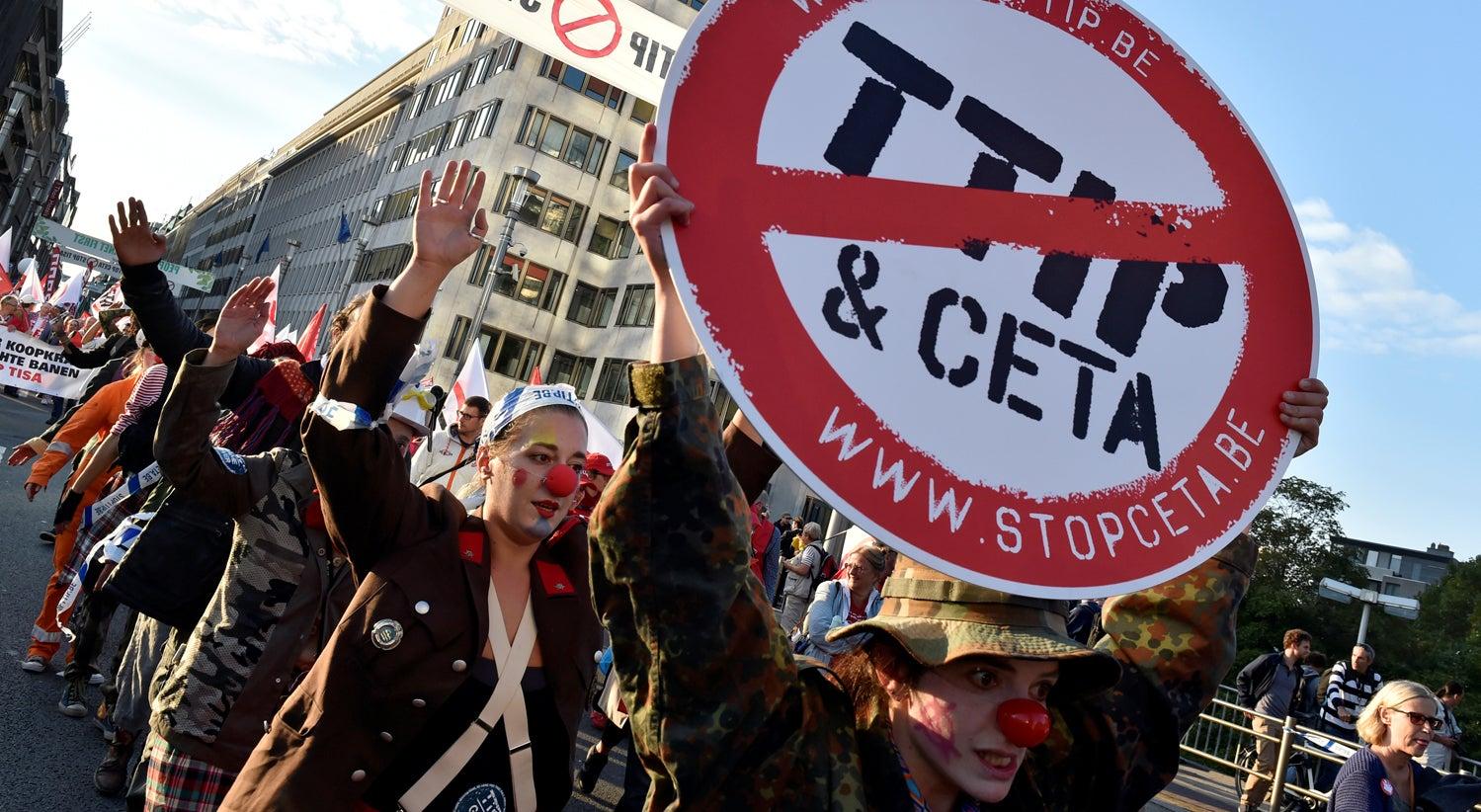 Val�es resistem ao CETA e deixam Bruxelas numa pilha de nervos