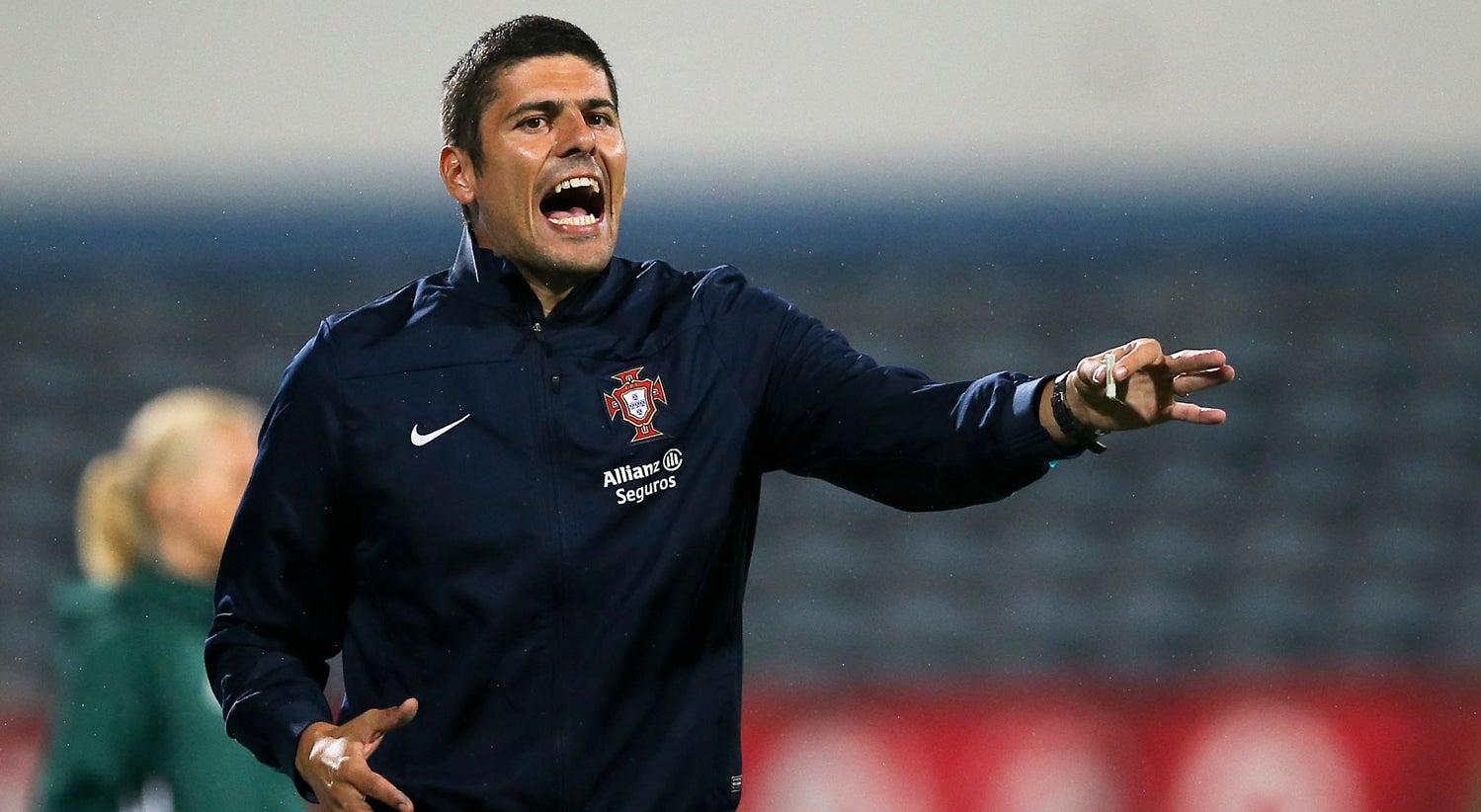 Futebol Internacional - Francisco Neto quer que Portugal fa�a hist�ria