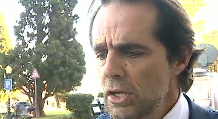 Pol�tica - Miguel Albuquerque diz que temos de assumir cada um as suas responsabilidades