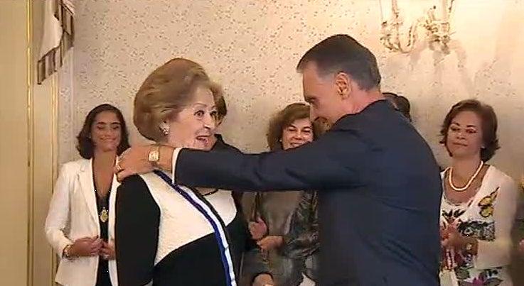Simone de Oliveira recebeu Gr�-Cruz da Ordem do Infante D. Henrique