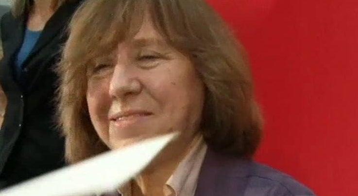 Pr�mio Nobel da Literatura 2015 distinguiu a escritora e jornalista bielorrussa