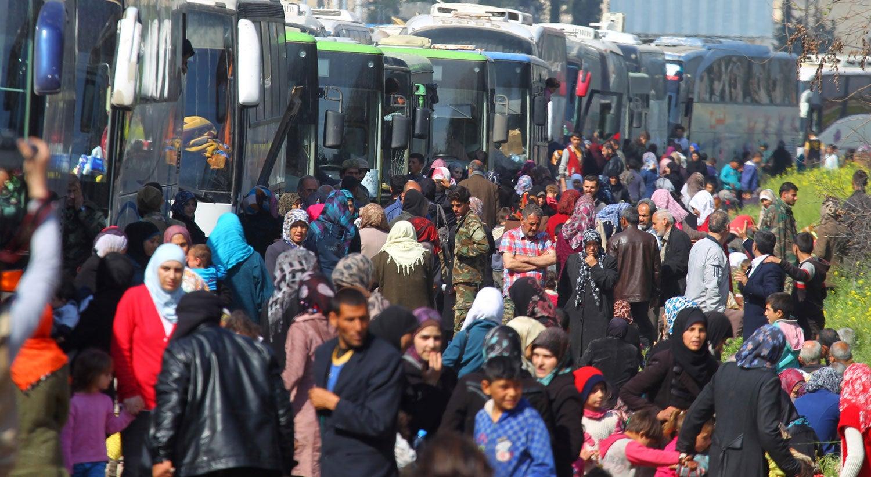 Explosões atingem comboio de ônibus perto de Aleppo, na Síria