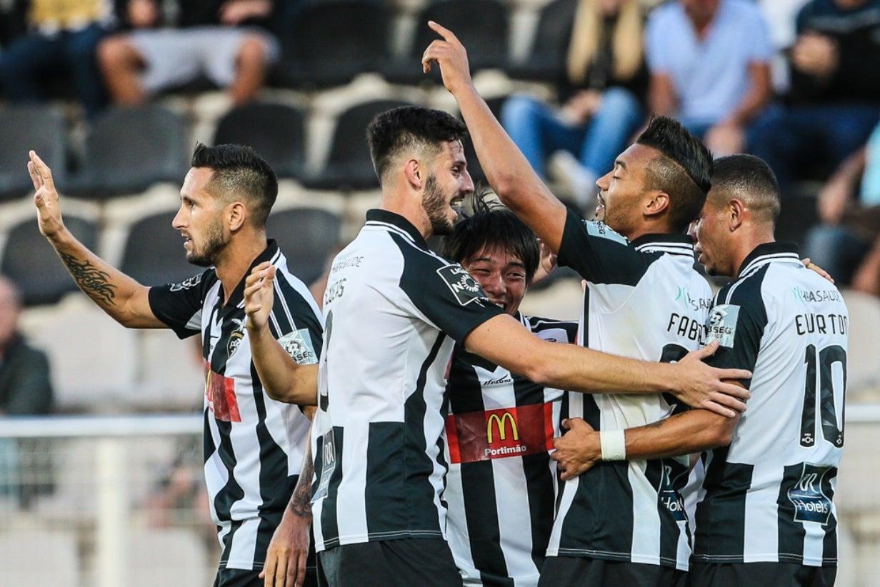 Alex Telles com uma mialgia e André André contraiu entorse — FC Porto