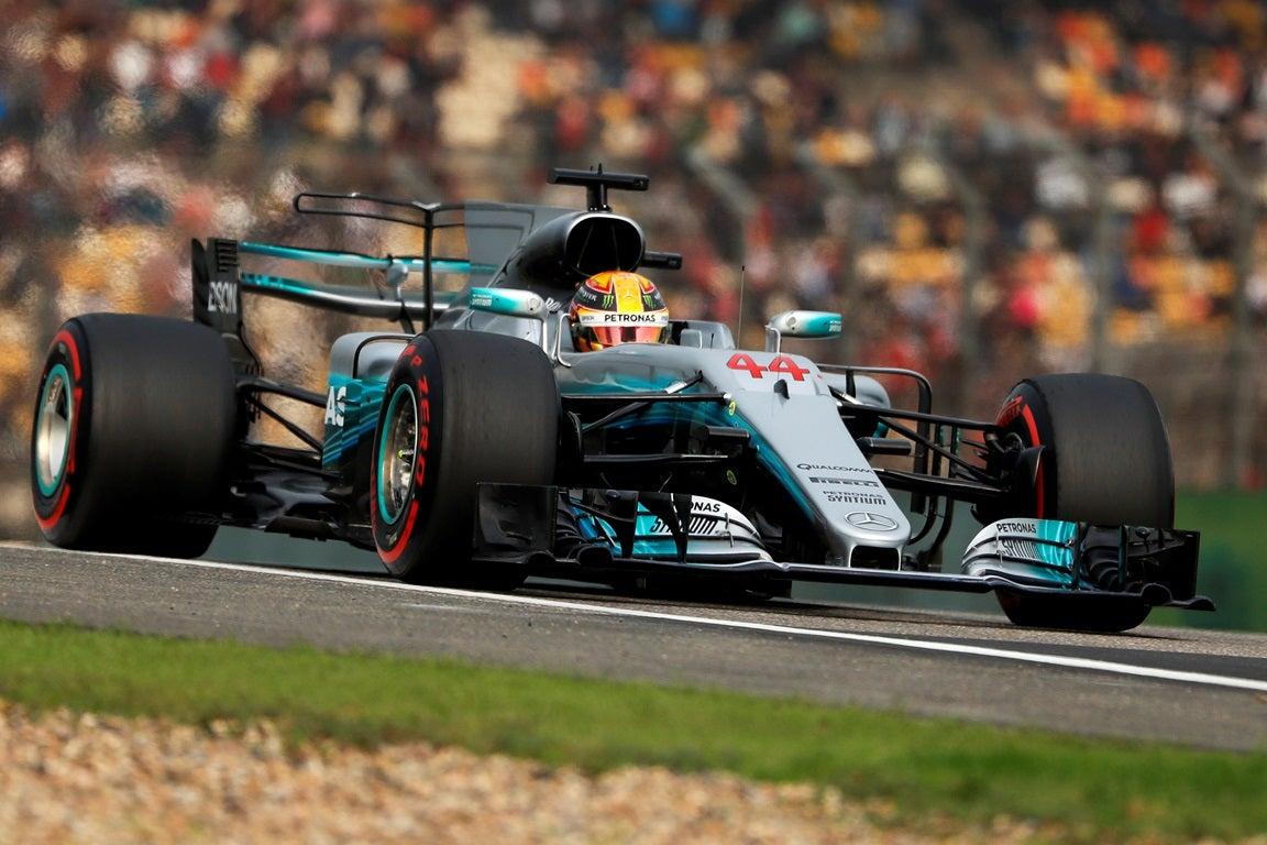 Hamilton crava segunda pole position do ano e supera Vettel na China