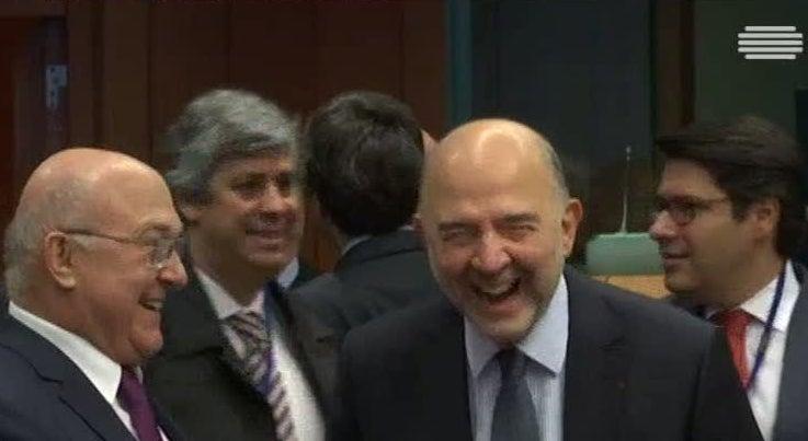 Mundo - Bruxelas acredita que a crise política em Itália não vai afetar o resto da Europa