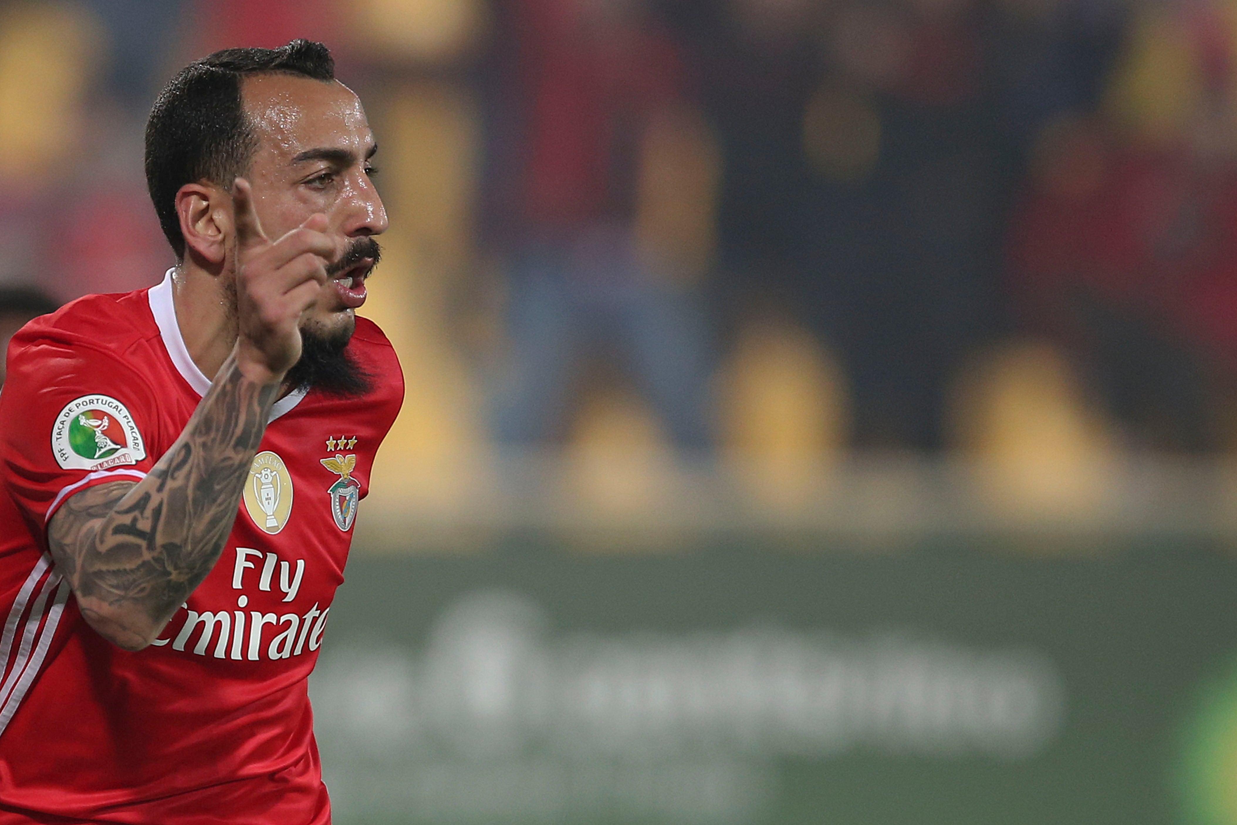 Kostas Mitroglou sai do Benfica e reforça Marselha