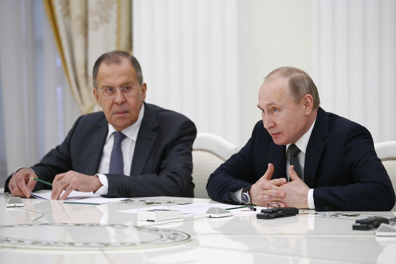 Rússia insinua que EUA querem