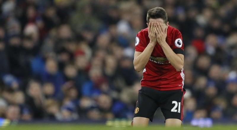 Manchester United soma terceiro empate seguido
