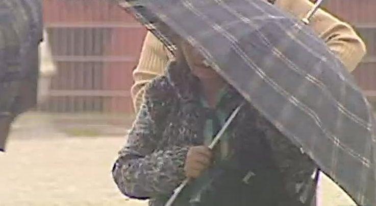 Meteorologia prev� chuva intensa e vento forte para domingo