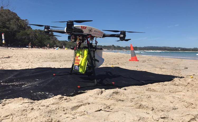 Drone salva a vida de adolescentes em praia da Austrália — Vídeo