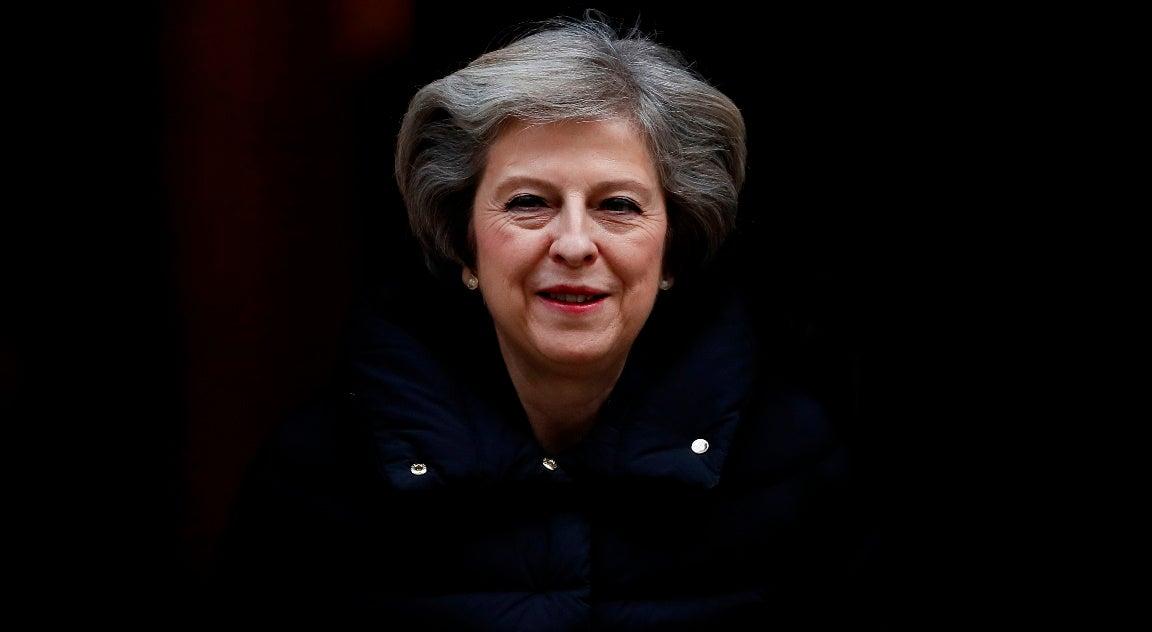 Mundo - Theresa May explica aos britânicos como vão fazer o Brexit
