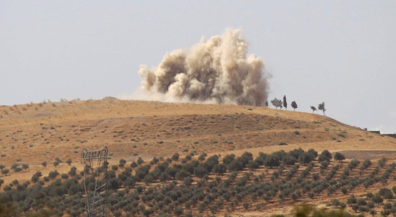 Rússia cria zona de exclusão aérea na Síria e estreita relações com milícia curda