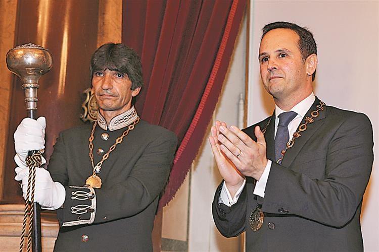Ministério Público investiga compra de imóvel por Fernando Medina